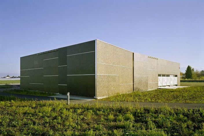 Funktionelle Halle mit attraktivem Verkaufsraum -Leeb